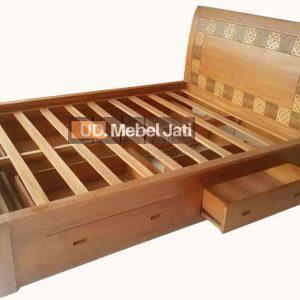 bed minimalis laci 4